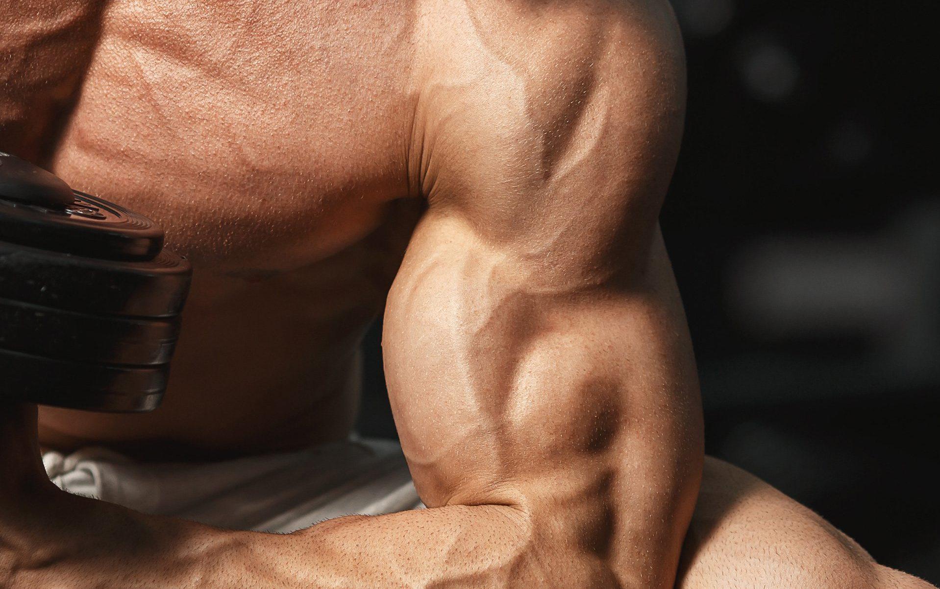 De 6 verste tingene du kan gjøre for større biceps